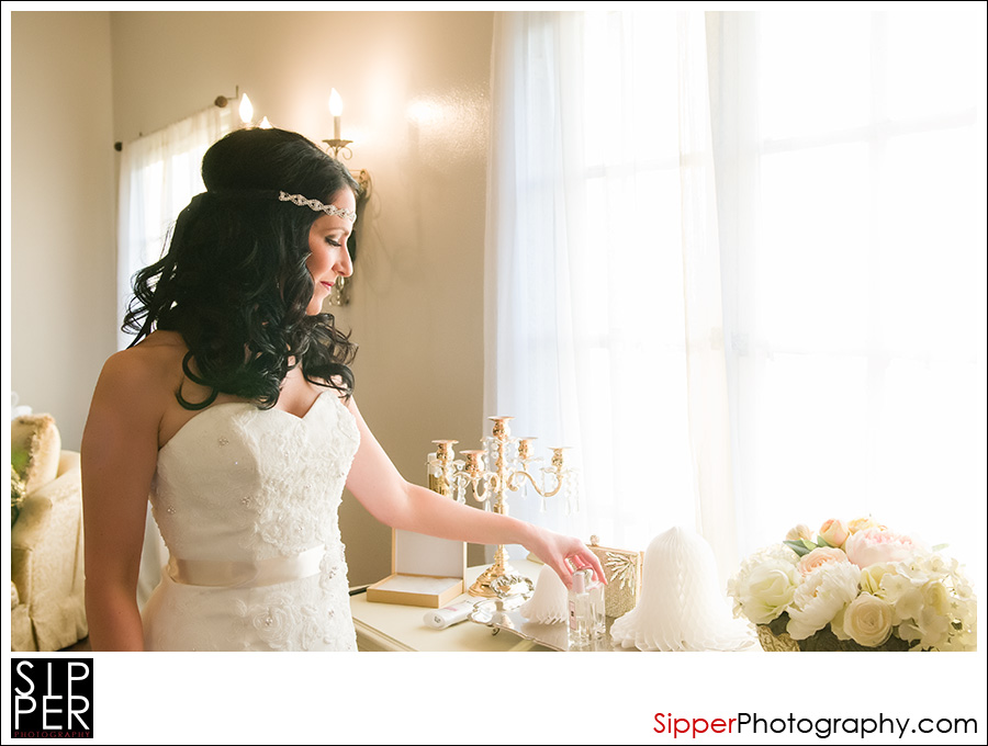 A Beautiful Shot Of Our Bride Charity In The Bridal Room At Ebell Club