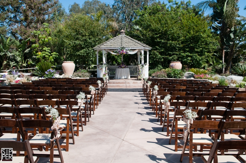 If You Are Looking For A Great Rustic Western Or Outdoor Woodsy Themed Wedding Venue Ve Found It Here With The Red Horse Barn In Huntington Beach