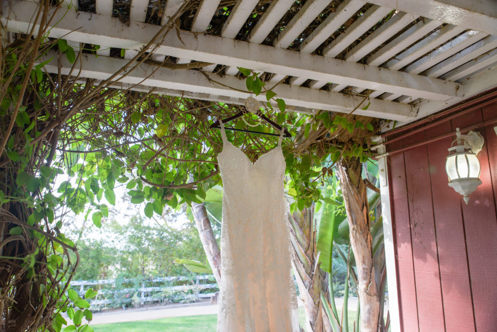 Outdoor Wedding At The Red Horse Barn Huntington Beach Bryan Stephanie Sipper Photography